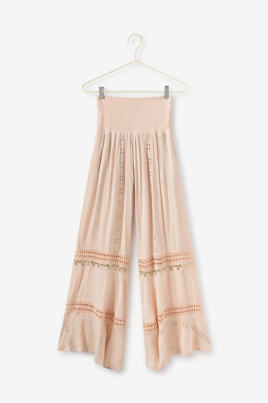 Pantalón bordado, calado y con cenefa dorada.  Alabama Shop