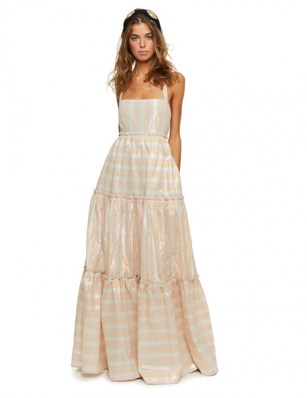 El Cascade dress es indudablemente sensual y difícil de apartar la mirada. Simulando una cascada con el algodón lúrex y una impresionante espalda abierta con cintas, es la prenda infalible que hará que todas las miradas se cent<strong>r</strong>en en ti. ¡Resalta tu moreno con esta maravilla de tonos pasteles! Alabama Shop