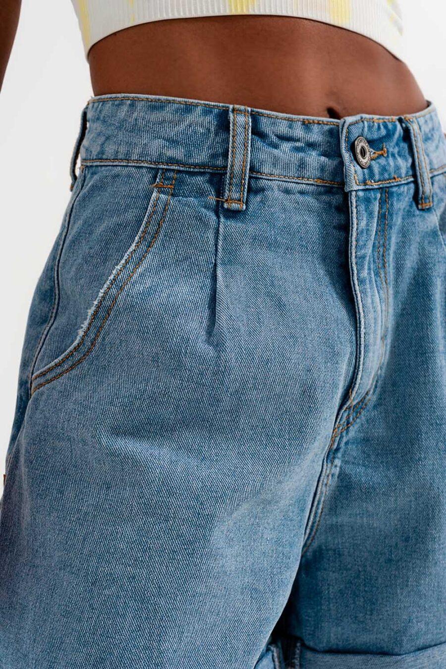"""Shorts con bajo vueltatrabillas para el cinturón bragueta de cremallera cuatro bolsillos en un denim no elástico <i class=""""fa fa-circle""""></i> 100% Algodon. <i class=""""fa fa-circle""""></i> La modelo lleva la talla S. <i class=""""fa fa-circle""""></i> La modelo mide: 81-61-96 Altura: 1'73m. <i class=""""fa fa-circle""""></i> Talla normal. <i class=""""fa fa-circle""""></i> Corte normal. Alabama Shop"""