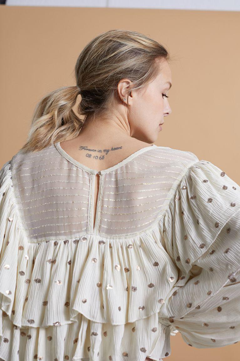 Blusa combinada con volantes y lunares. Color Ivory Alabama Shop