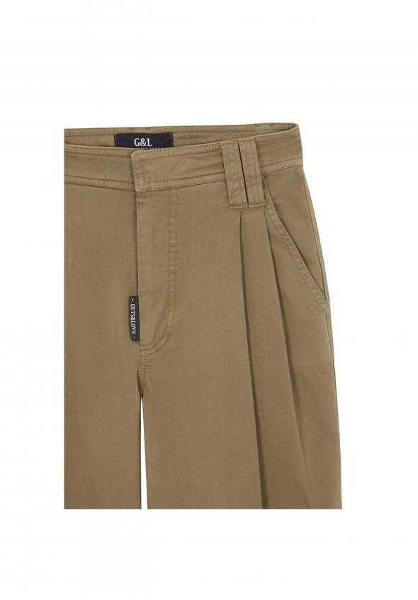 "<div class=""product-single__description rte"">Guts & love, pantalon P212001 Chicago trousers , pantalon wide de corte recto , tiro alto con pinzas en cintura. Bolsillos frontales y trabillas para cinturón en cintura.</div> <div class=""social-sharing ""></div> Alabama Shop"